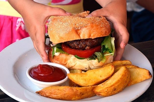 přejídání - obezita